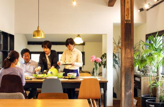 ID食堂での食事風景の画像